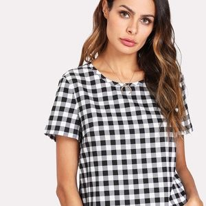 Liz Claiborne Short Sleeve Black and White Shirt